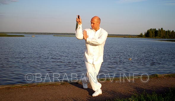 Андрей Барабанов МОЖНО ЛИ ЗАЩИТИТЬСЯ ОТ АТАКИ НОЖОМ?